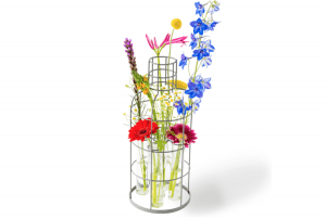 Greet draadvaas met plukbloemen